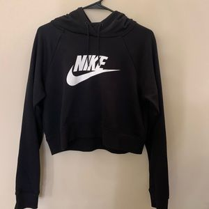 Women's Medium nike cropped sweatshirt